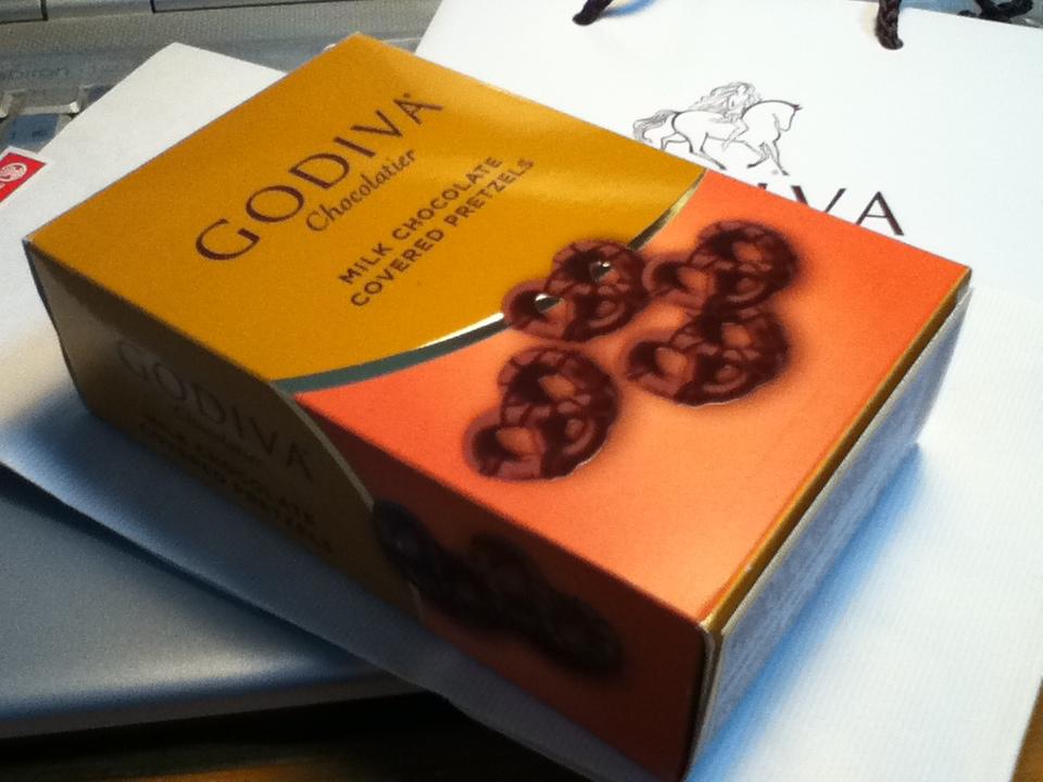 ゴディバのプレッツェルのパッケージ