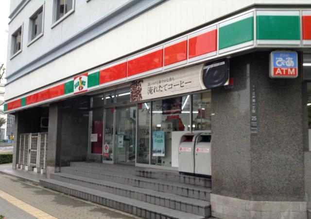 大阪YMCA付近のコンビニ(サンクス)