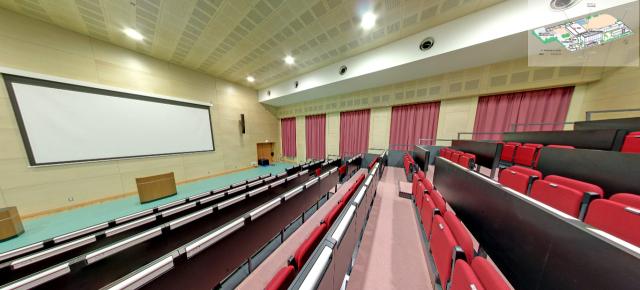 大阪教育大学(天王寺)西館1階ホール